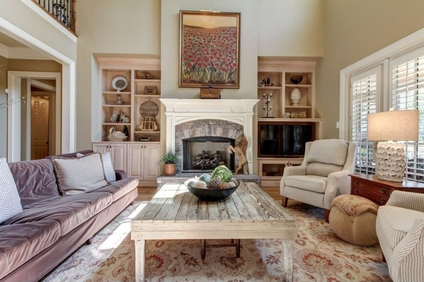 12z-living-room-pillar-style-country