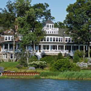 Elegant mansion on the lake