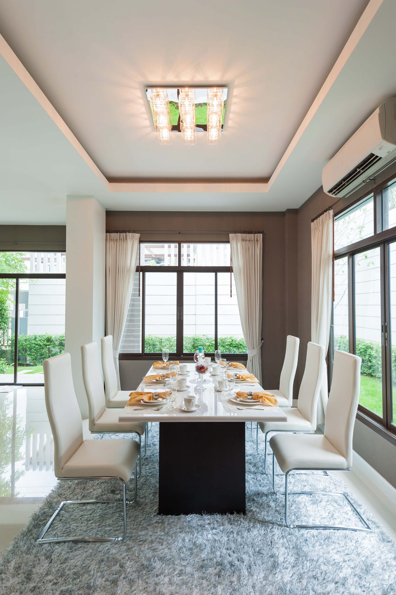 Dining Room Dark Romantic: Very Simple White And Dark Grey Dining Room Design. Table