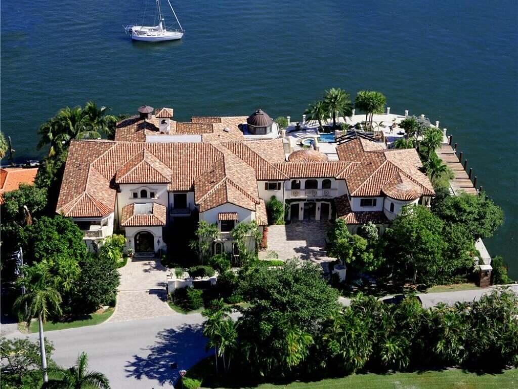 Aerial view of a magnificent Florida mansion on the waterway