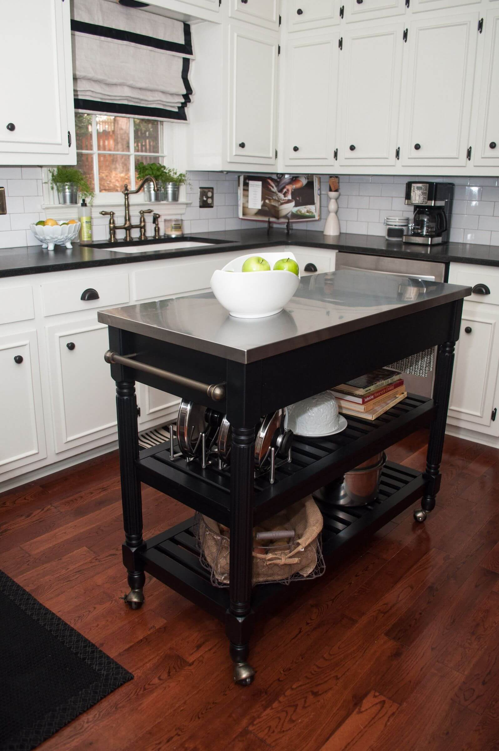 11 Types Of Small Kitchen Islands Carts On Wheels 2021