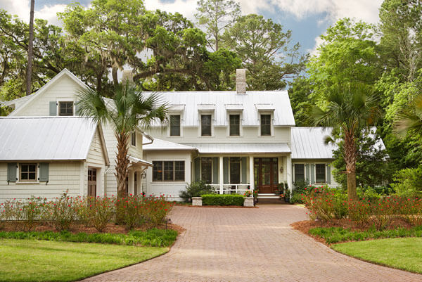 Curb view of a beautiful southern home in Bluffton, South Carolina by Linda McDougald Design.