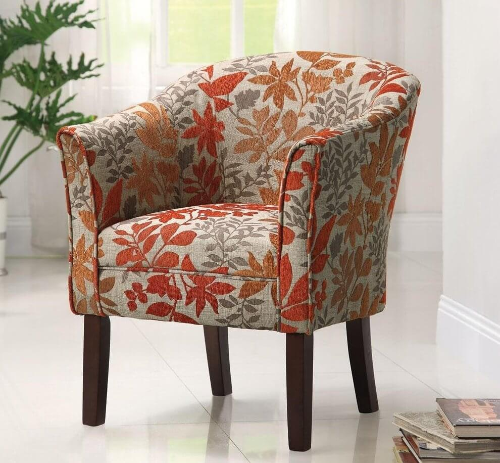 In this more traditional model, with a curved back and cloth upholstery, we see how a floral pattern and bright colors can dramatically change the character.