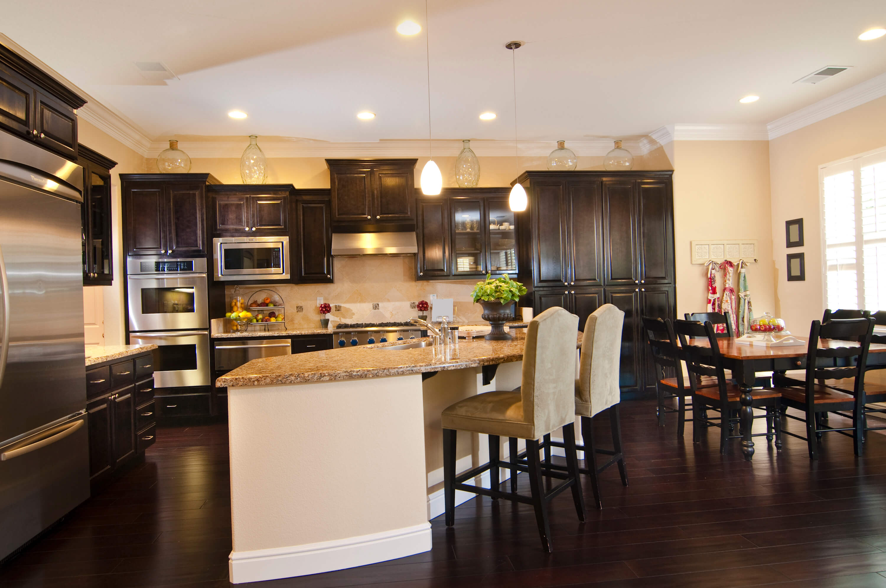 Will A Dark Color Scheme Work For Your Kitchen