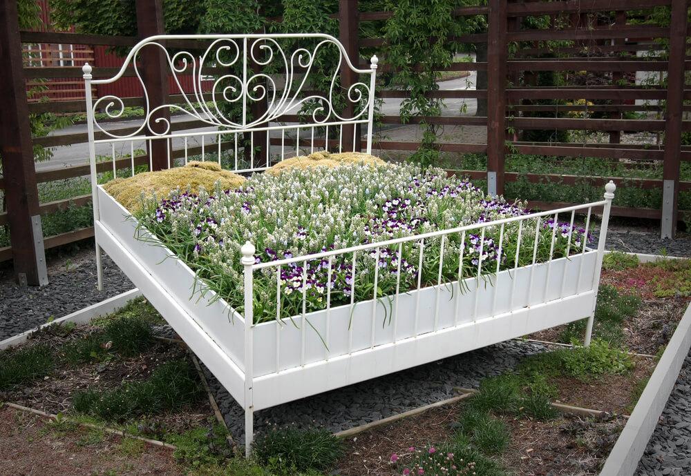 25 Unique Flower Planters And Pots Pictures