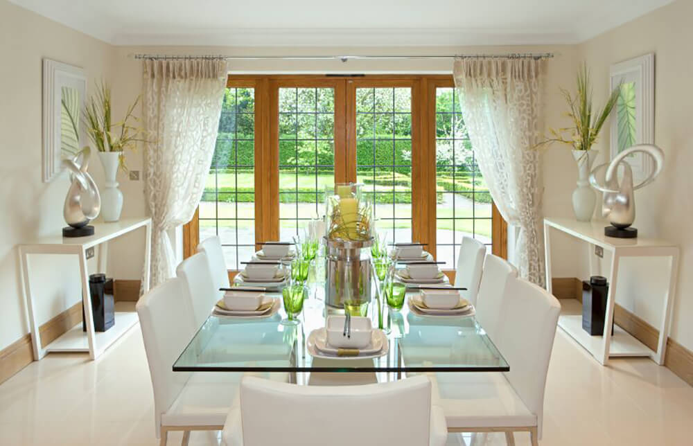 22 Elegant Dining Rooms With Upholstered Chairs Images