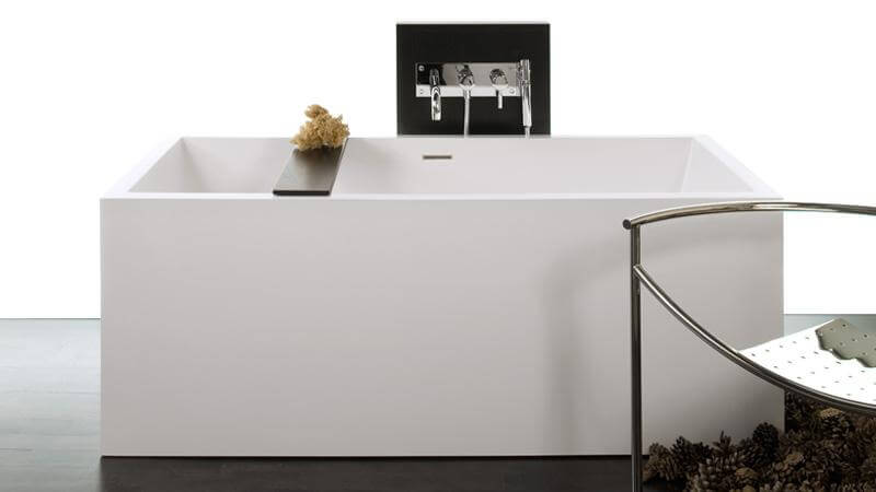 Like the BC01, the BC04 features four finished sides, making it suitable to be viewed from any angle. Much like the BC03, it offers the space of the previous models with a more compact design. The BC04 bathtub can be installed as a free standing tub, or may adjoin one, two, or three walls.