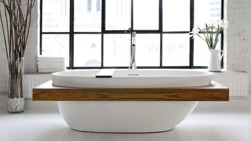 The BBE01-SHELF bathtub takes the beautiful curved shape of the BBE01, and adds a natural hardwood shelf around the entire exterior, creating a built-in shelf for this free standing marvel of a tub. The spacious interior supports two bathers, each with their own ultra-comfortable backrests.