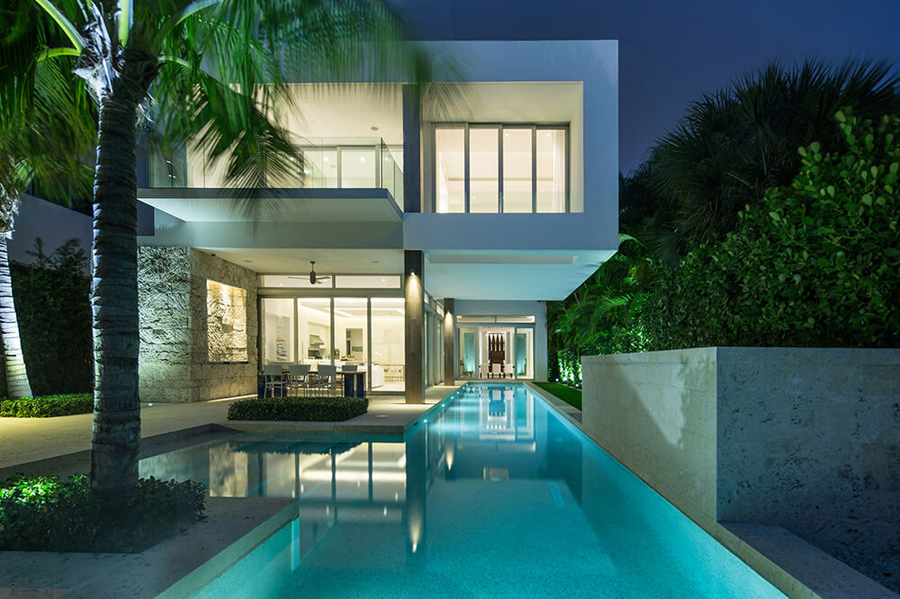Another luxurious property with a large lap pool. Looks stunning in the eyes.