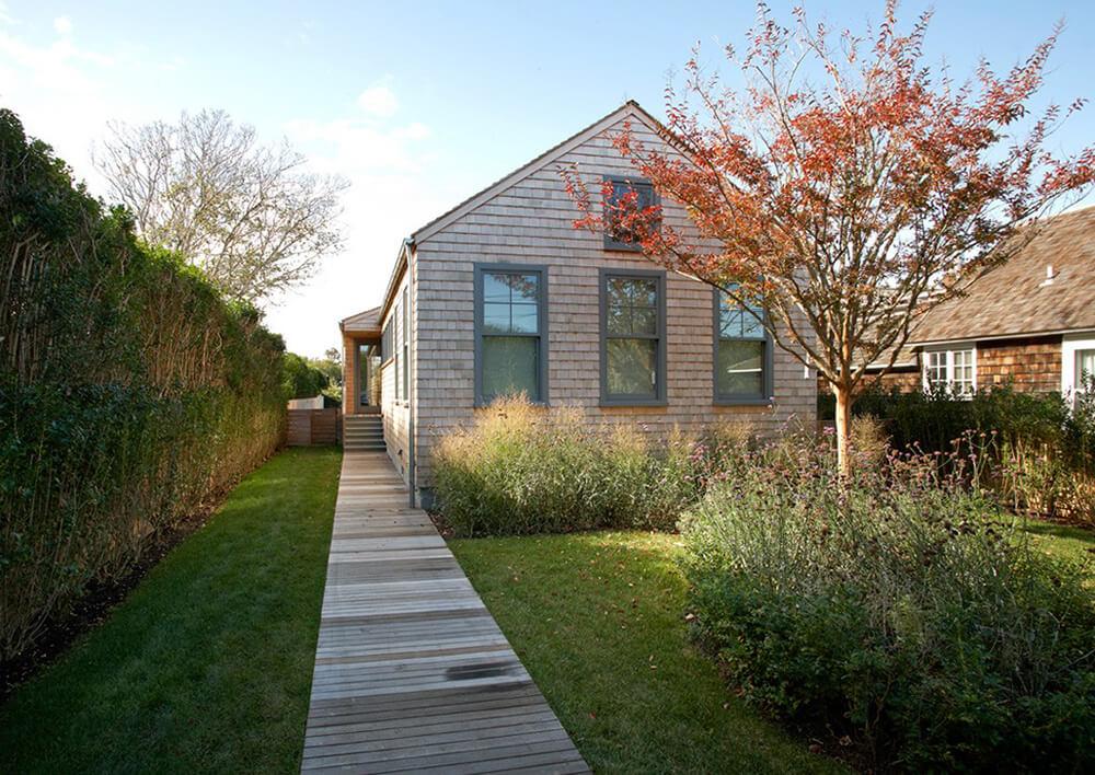 Elegant Sagaponack Cottage by Axis Mundi Design
