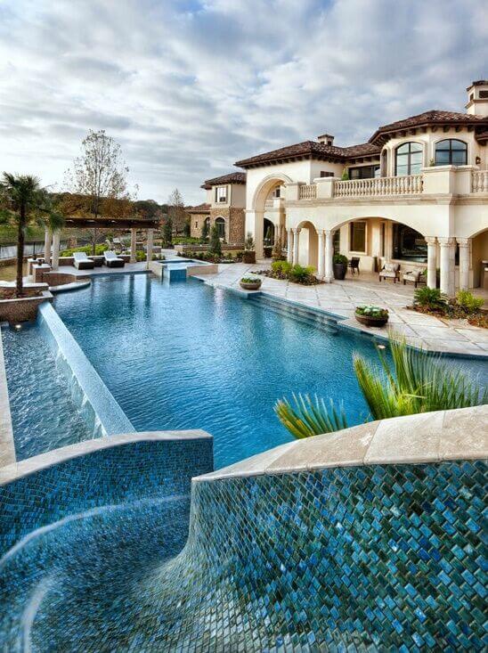 16 Amazing Swimming Pool Slides