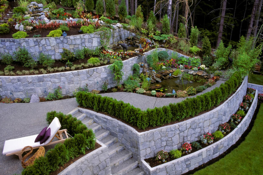 Stone walls and garden beds can work well together to build a great castle like look. When the stone is arranged properly, your yard will have a very regal and royal appeal.