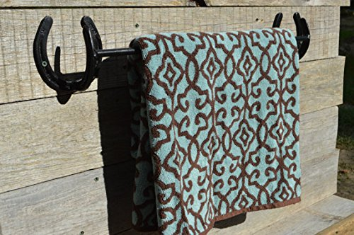 Wall-Mounted Quilt Stand