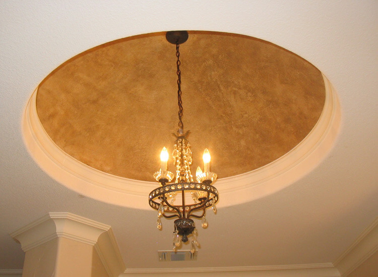 Vaulted ceilings provide a greater sense of space. They also give an elegant and elevated appeal.