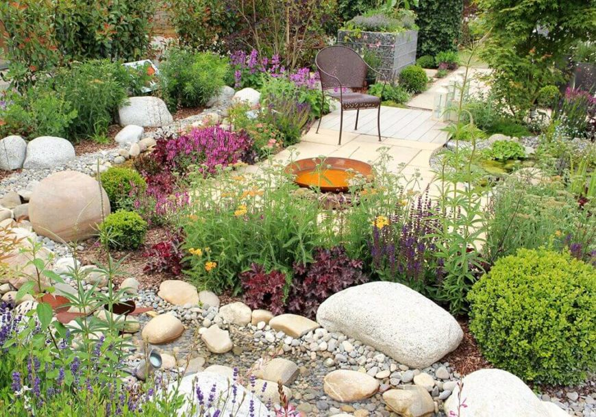 One great use for a rock garden is to outline areas and separate different areas of your yard. You can make divisions between different garden beds and walkways. A mixture of large and small stones can work together to give interesting textures and visual appeal.