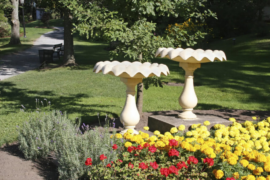 What is better than one place for your feathered friends? Two, of course! Here we see two matching bird baths. With two baths, you can have twice the number of birds, or cater to two different avian groups.