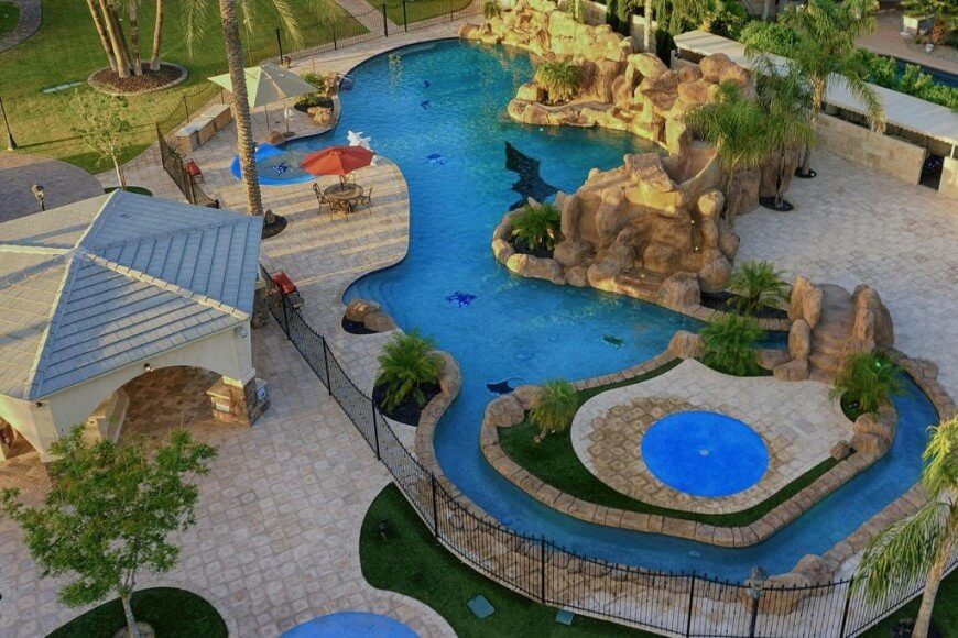 If you want your water park area to be large you can make your pool expansive. If you build the pool along with smaller offshoots you can create a number of little swimming areas, turning one pool into many smaller ones.