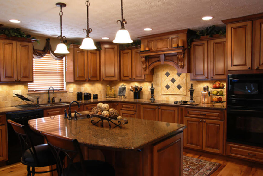 This Mediterranean kitchen is a has a wonderfully warm and welcoming appeal built up from rich and warm colors.