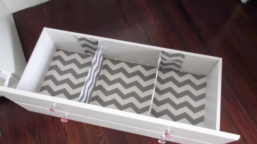 These adorable cardboard drawer dividers are the perfect way to keep baby's clothes neatly separated. This is a super easy DIY that will spruce up any old dresser and make it perfect for baby's room.