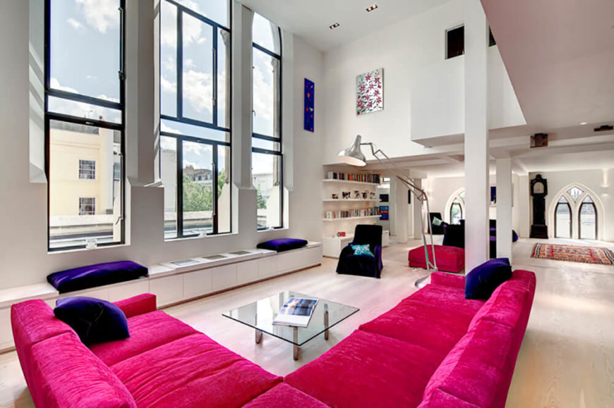 This incredible apartment is located in Notting Hill, in north west London.