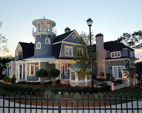 As if this house didn't already have enough interesting details, it also has a beautiful lighthouse feature on top.