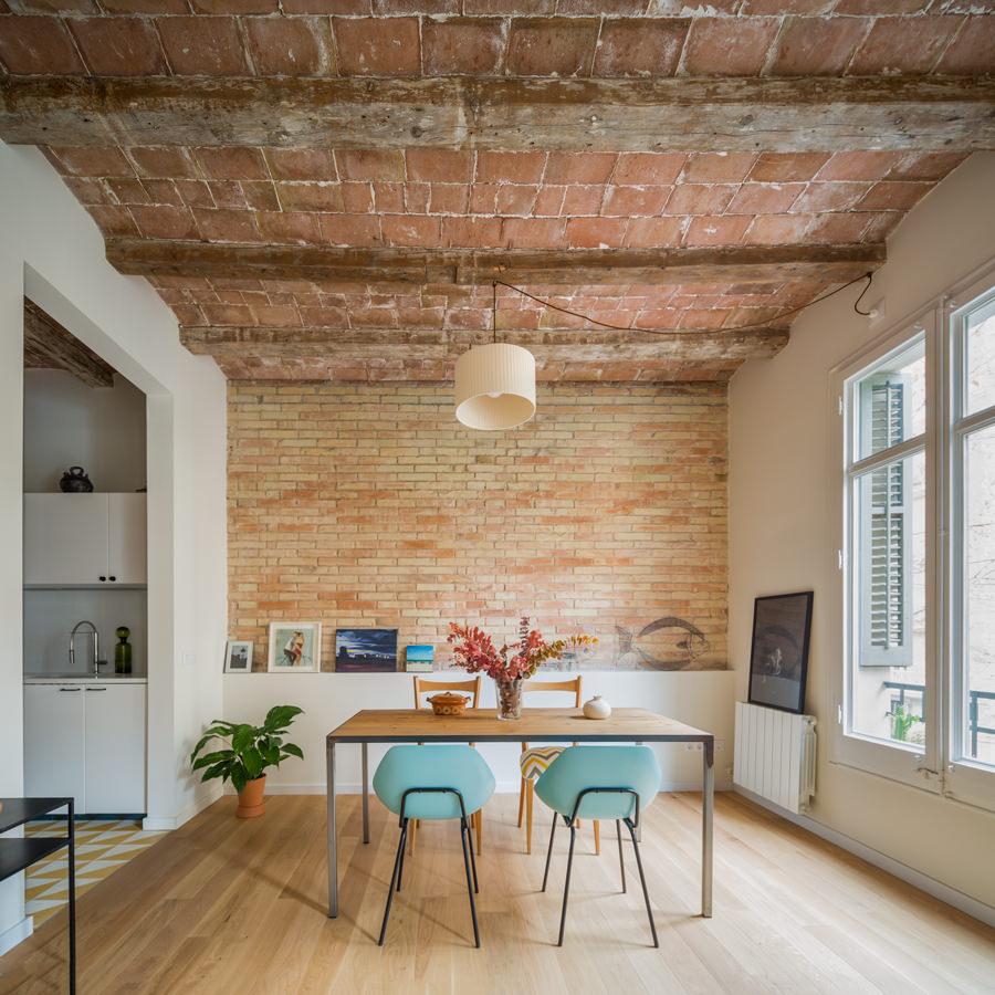 1-bright-rustic-contemporary-home