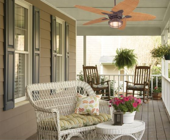 Porch with ceiling light and fan.