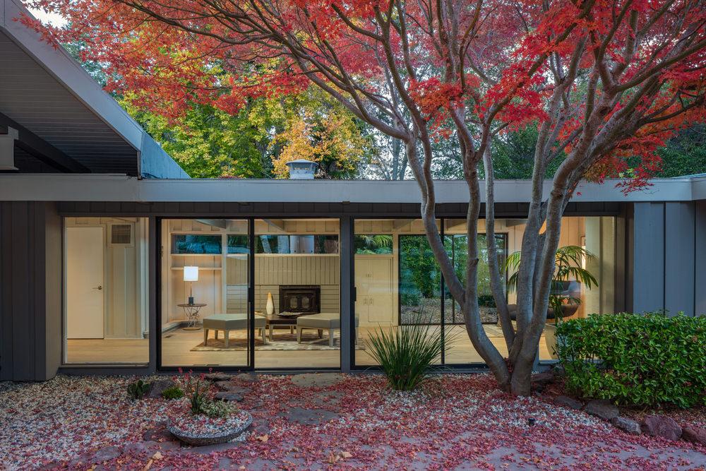 Mid-Century Modern Home Architecture