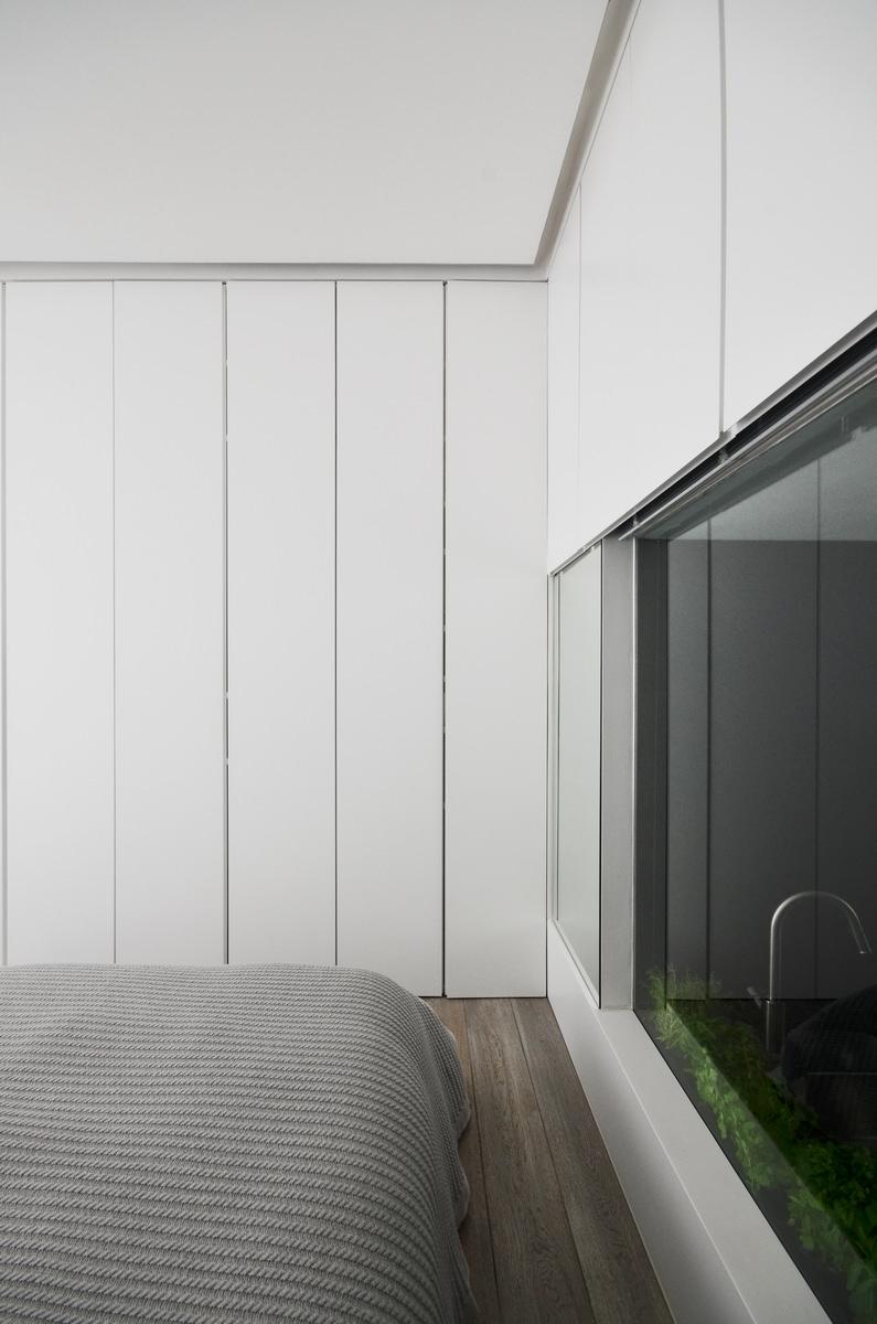 Daniele Petteno - Nevern Square Apartment-16