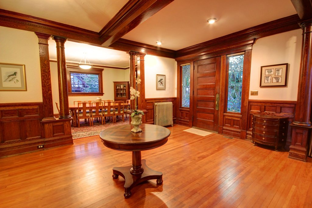 5zb-American-Foursquare-Home-Interior