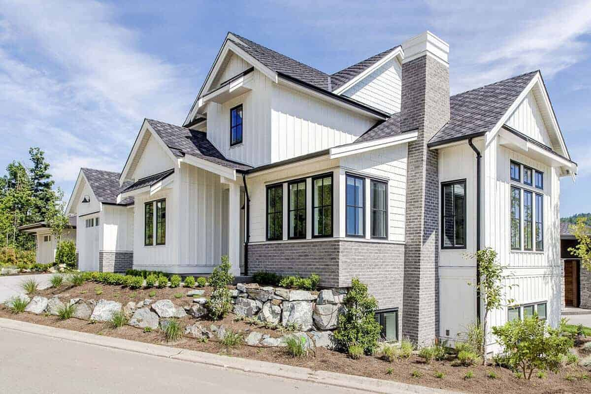 3-Bed Modern Farmhouse with Two-story Great Room
