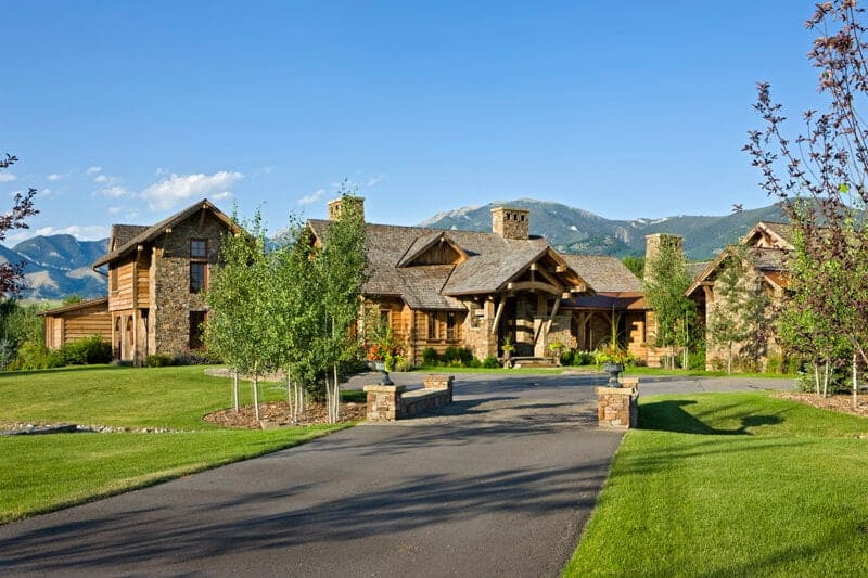Old River Farm Residence – A Stunning Custom Mountain Retreat Home Design
