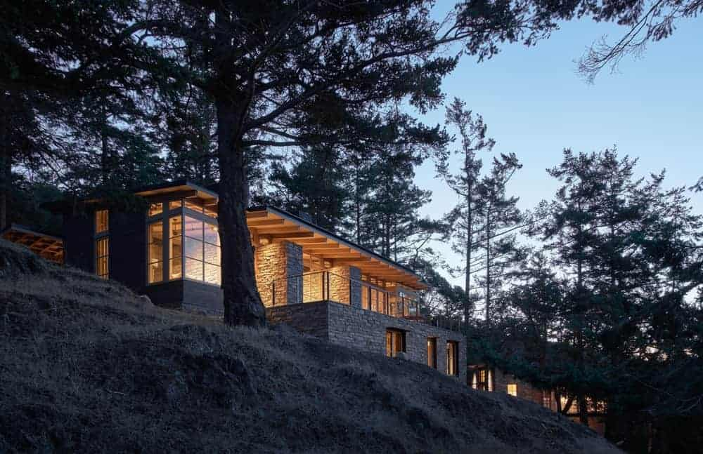 Hillside Sanctuary by Hoedemaker Pfeiffer