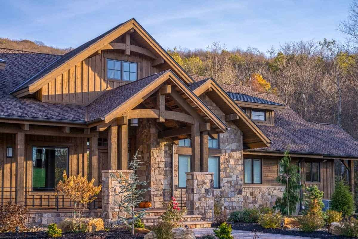 Luxurious Mountain Ranch with Lower Level Expansion
