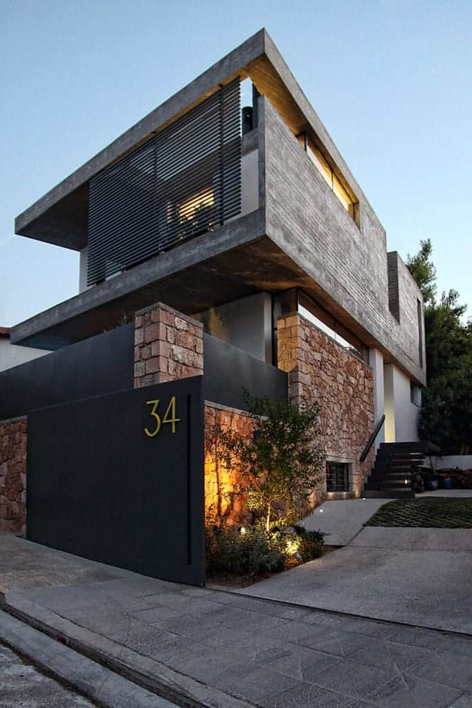Creative A & A House by Work of Architects (WoARCHITECTS)
