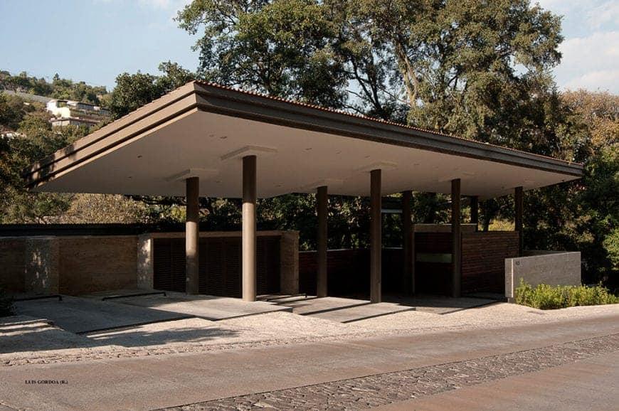 Stunning La Hidalga House by Grupo Arquitectura
